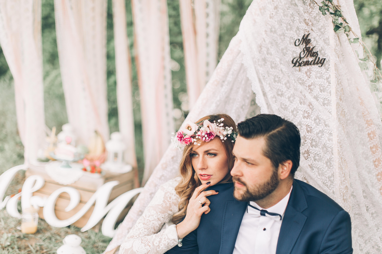 pomysłowa panna młoda sesja ślubna Moniki i Mateusza fot. indygo.tree