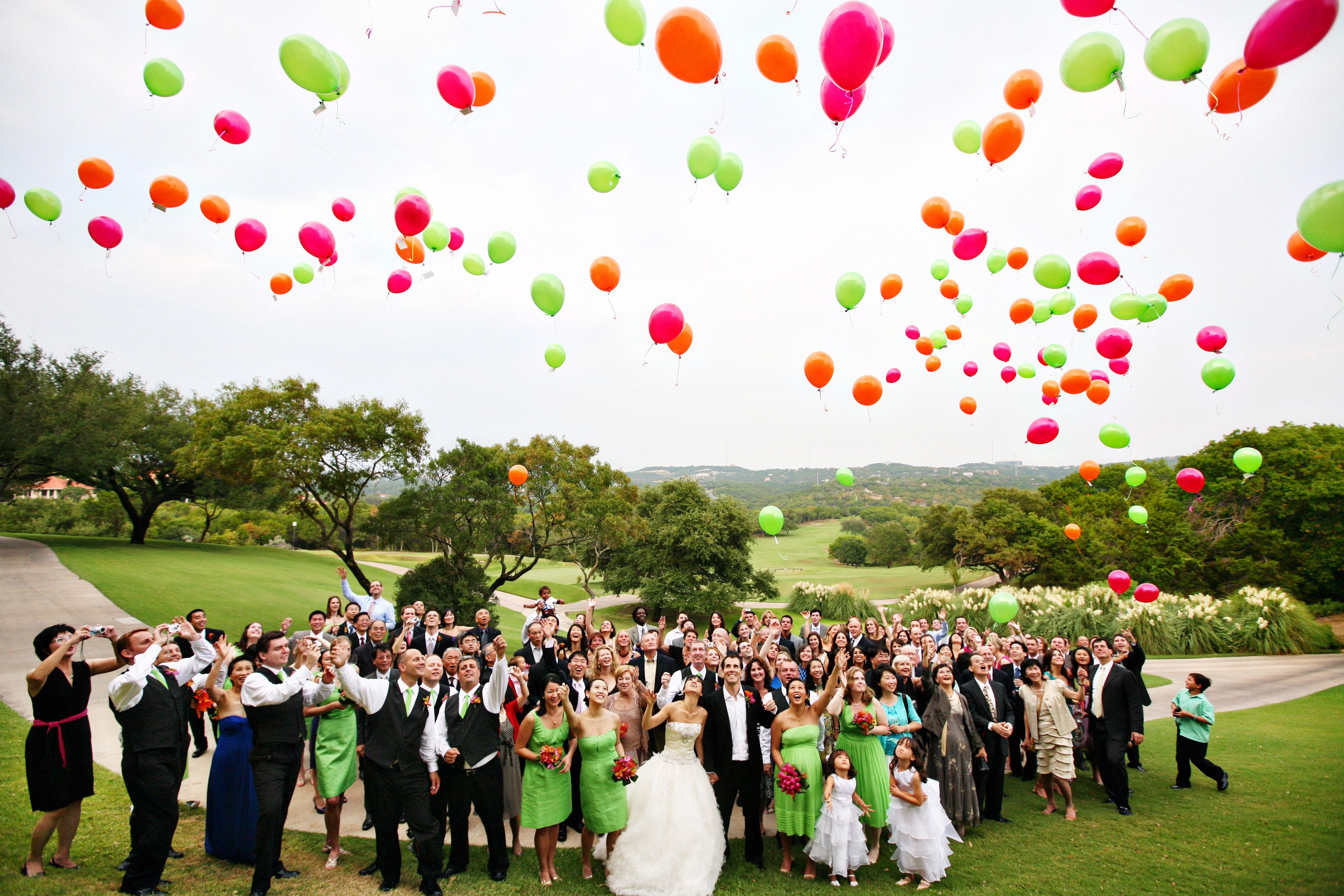 Wedding-balloon-release