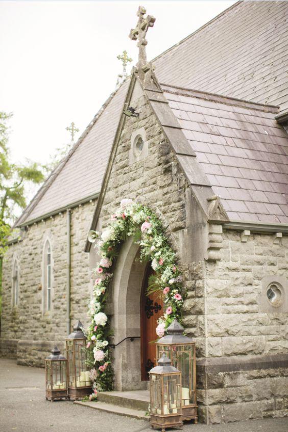 Pomysłowa Panna Młoda - ślub kościelny - co można negocjować z księdzem? dekoracja kościoła